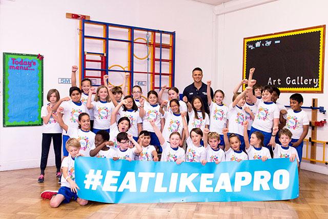 Ex-England Footballer Jermaine Jenas Surprises London School With Beko's Eat Like A Pro Healthier Eating Initiative